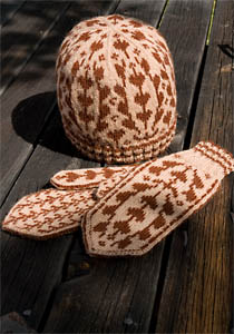 Knitted hat and mittens with pattern from Norrsunda Church